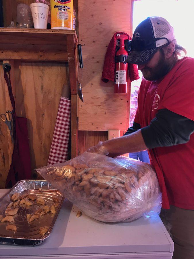Inside Deerfield Fair's best apple crisp stand
